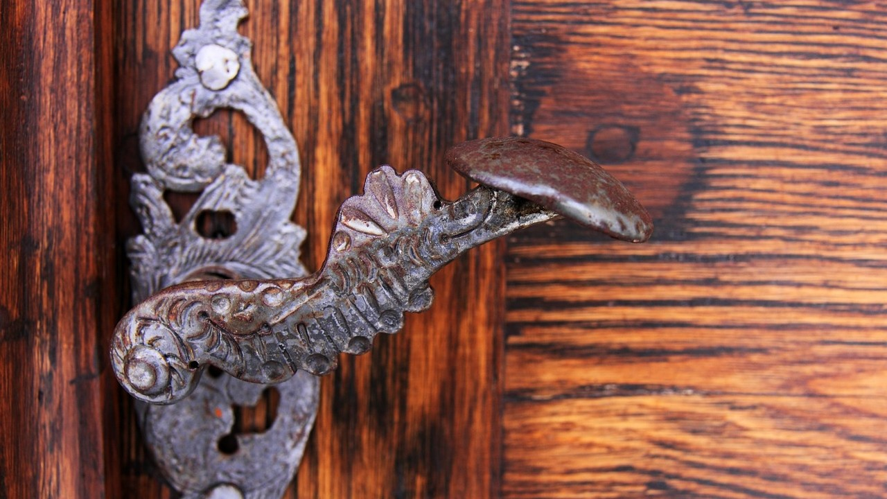 poignée de porte ancienne